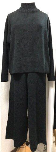 black_knit_setup.jpg