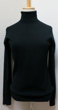 black_turtle_knit.jpg
