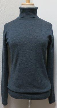 grey_turtle_knit.jpg