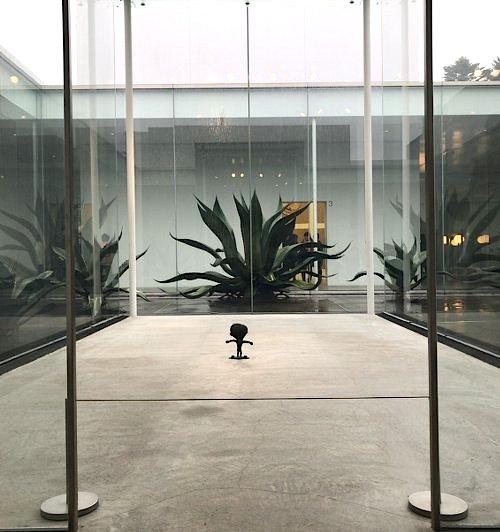 kanazawa_21stcentury_museum2.jpg