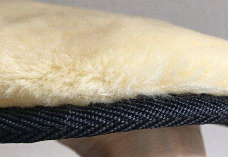 mouton_glove1.jpg