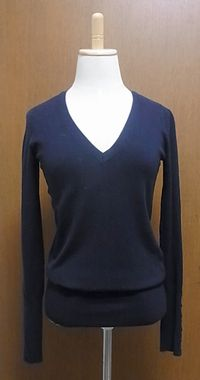 navy_Vneck_knit.jpg