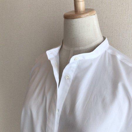 white_bandcollar_shirt_2.jpg