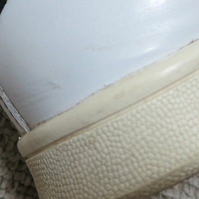white_leather_sneaker_wash4.jpg