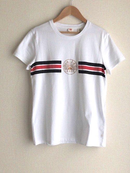 white_levis_Tshirt.jpg