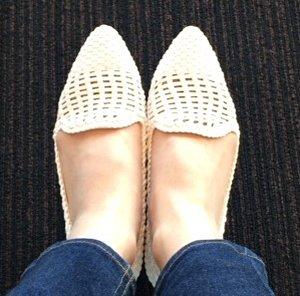 white_mesh_shoes4.jpg