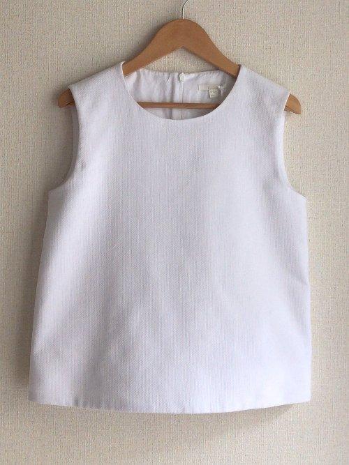 white_sleeveless_cos_top.jpg